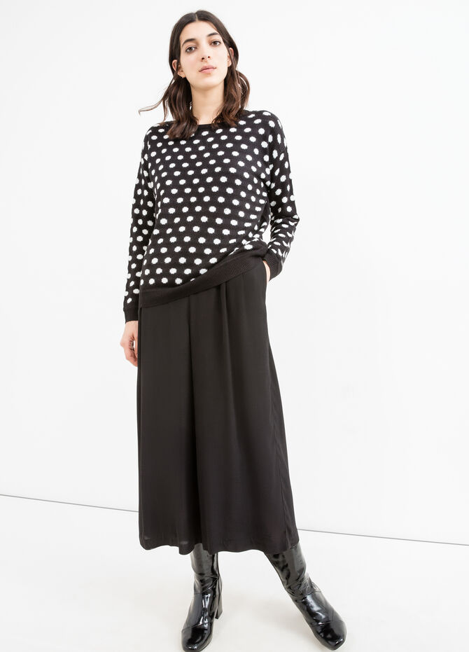 Pullover with polka dot pattern