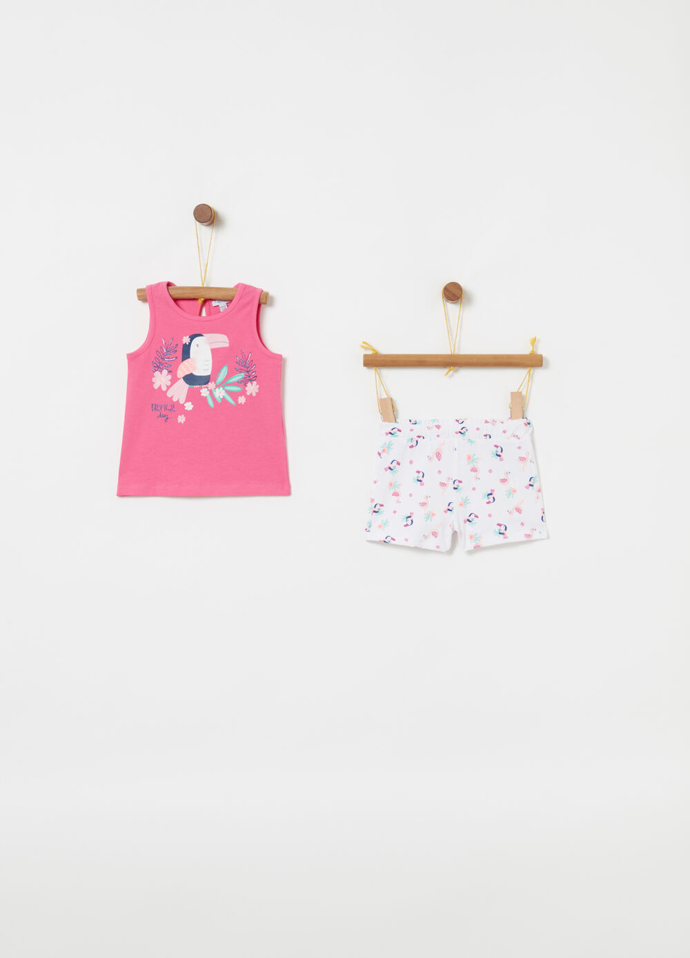 Tank top and shorts jogging set with pattern