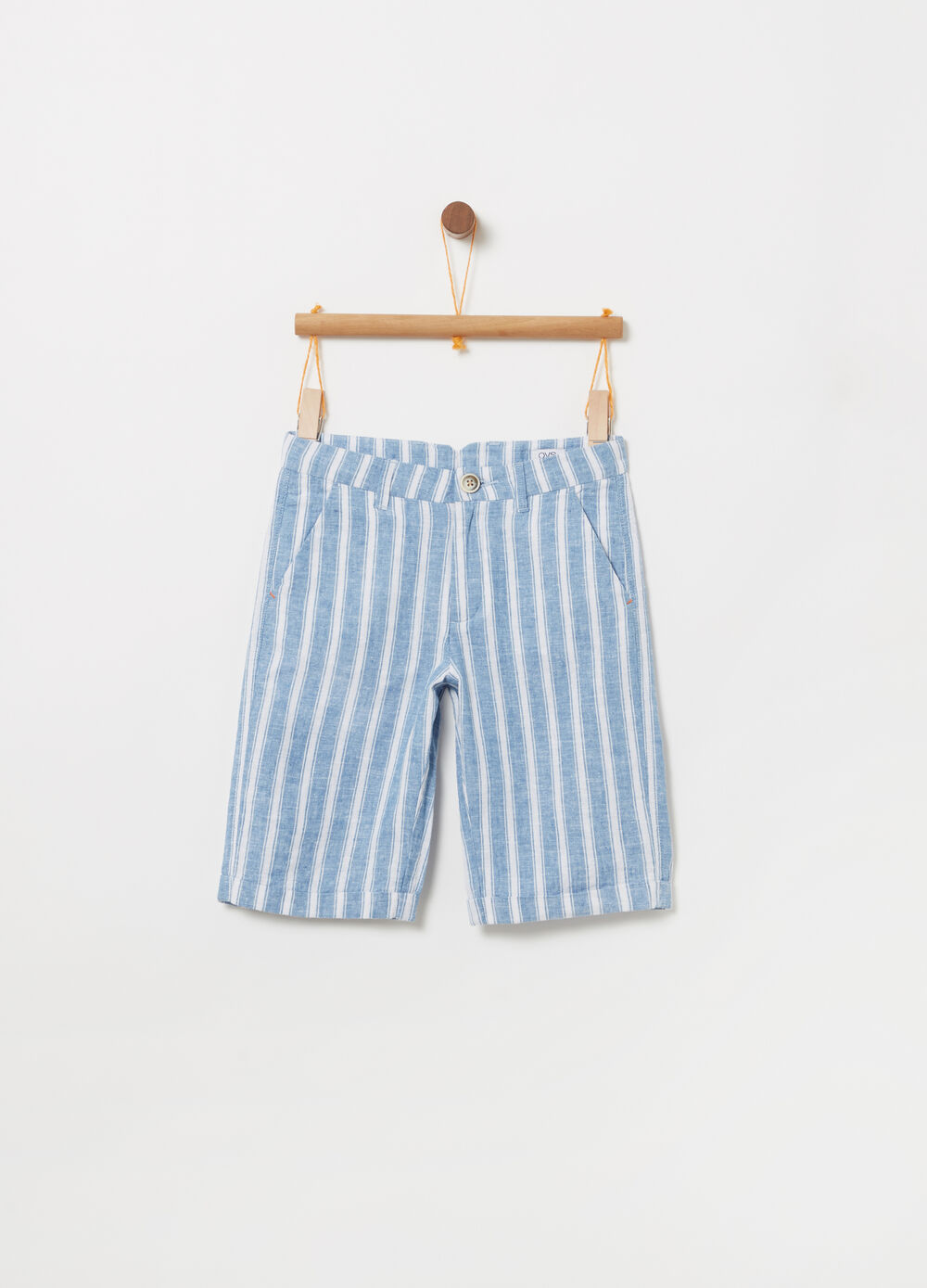 Smart-model shorts with yarn-dyed stripes