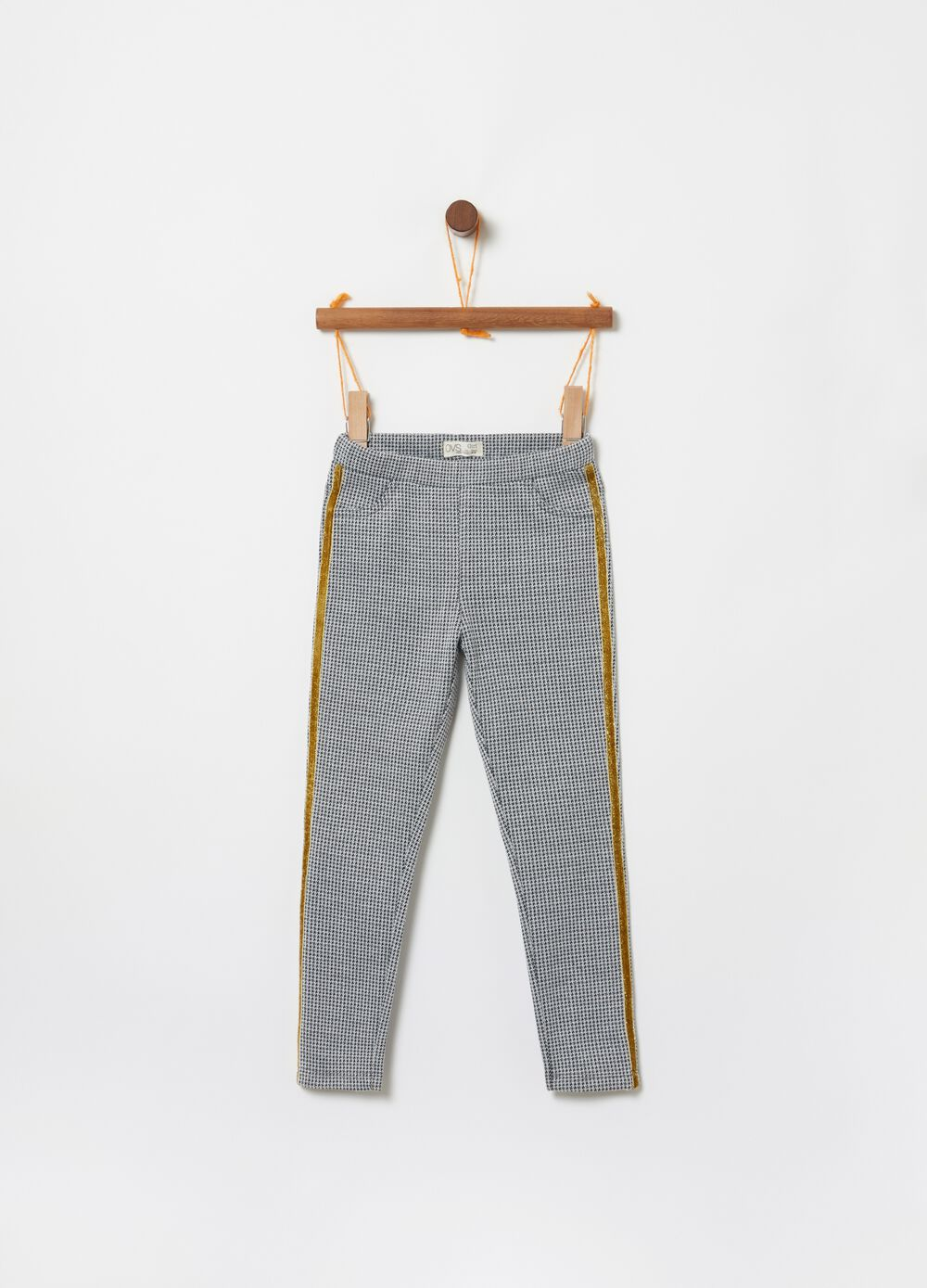Stretch jeggings with hounds' tooth pattern