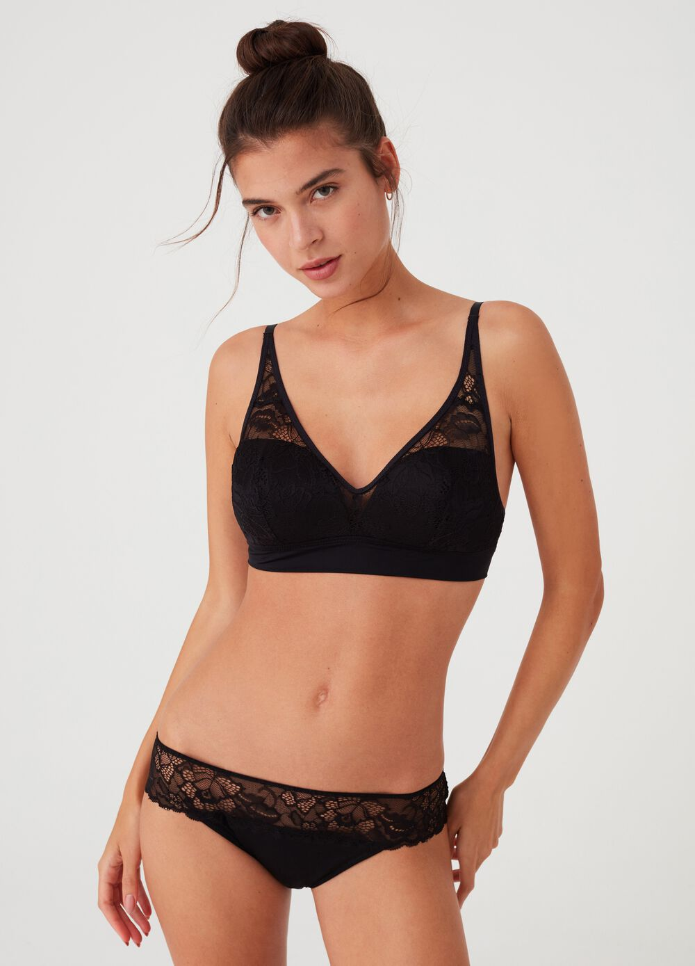 Classic stretch briefs with lace