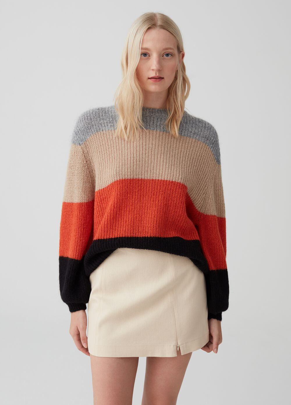 Colourblock pullover with striped pattern