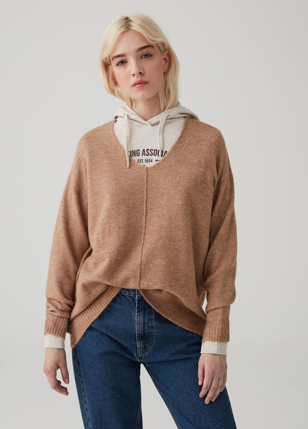 Mélange knitted pullover with V neck