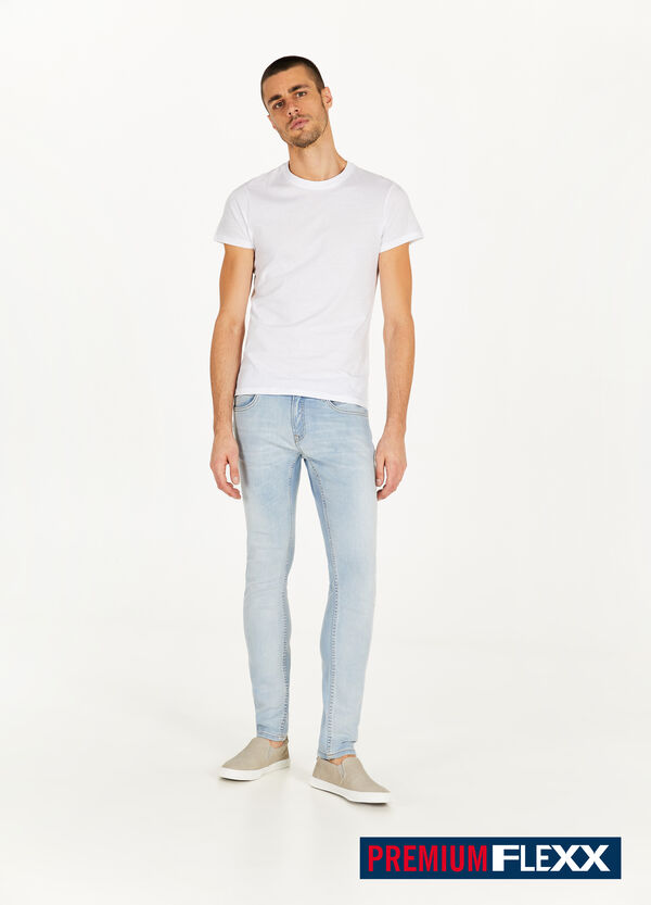 Solid colour slim-fit stretch jeans