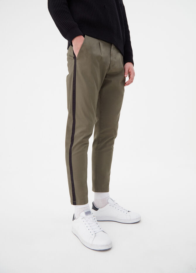 Stretch trousers with contrasting bands