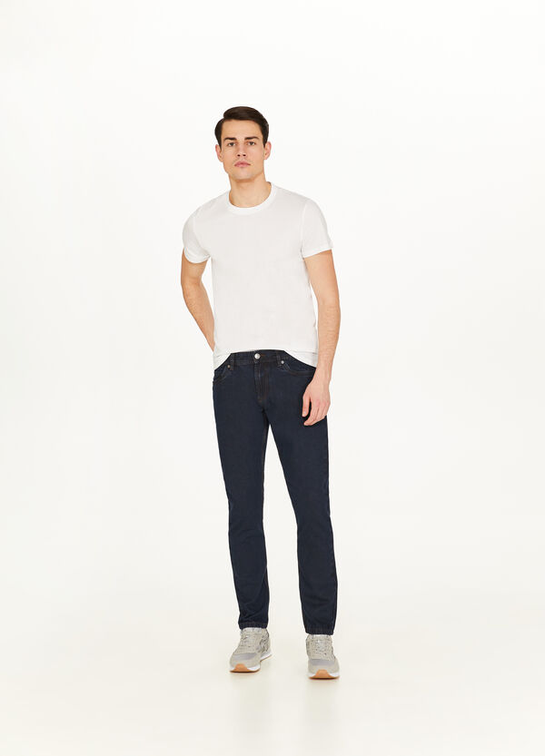 Solid colour slim-fit jeans with zip
