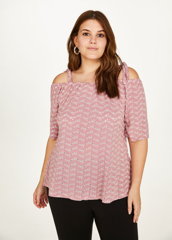 Curvy viscose T-shirt with floral embroidery