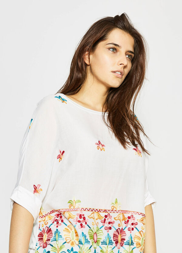 Curvy blouse with raw edges and embroidery   OVS