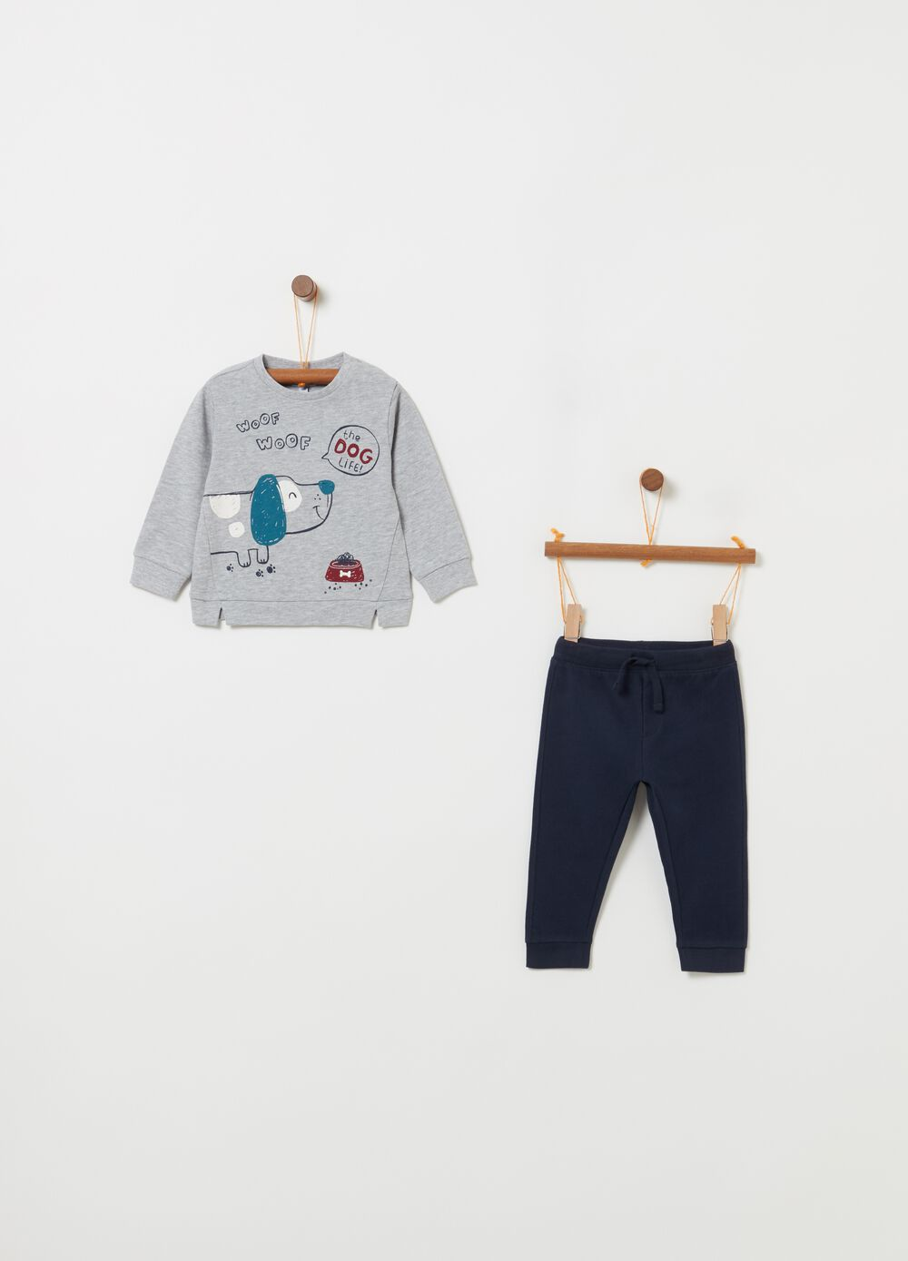 Jogging set with top and trousers with puppy print