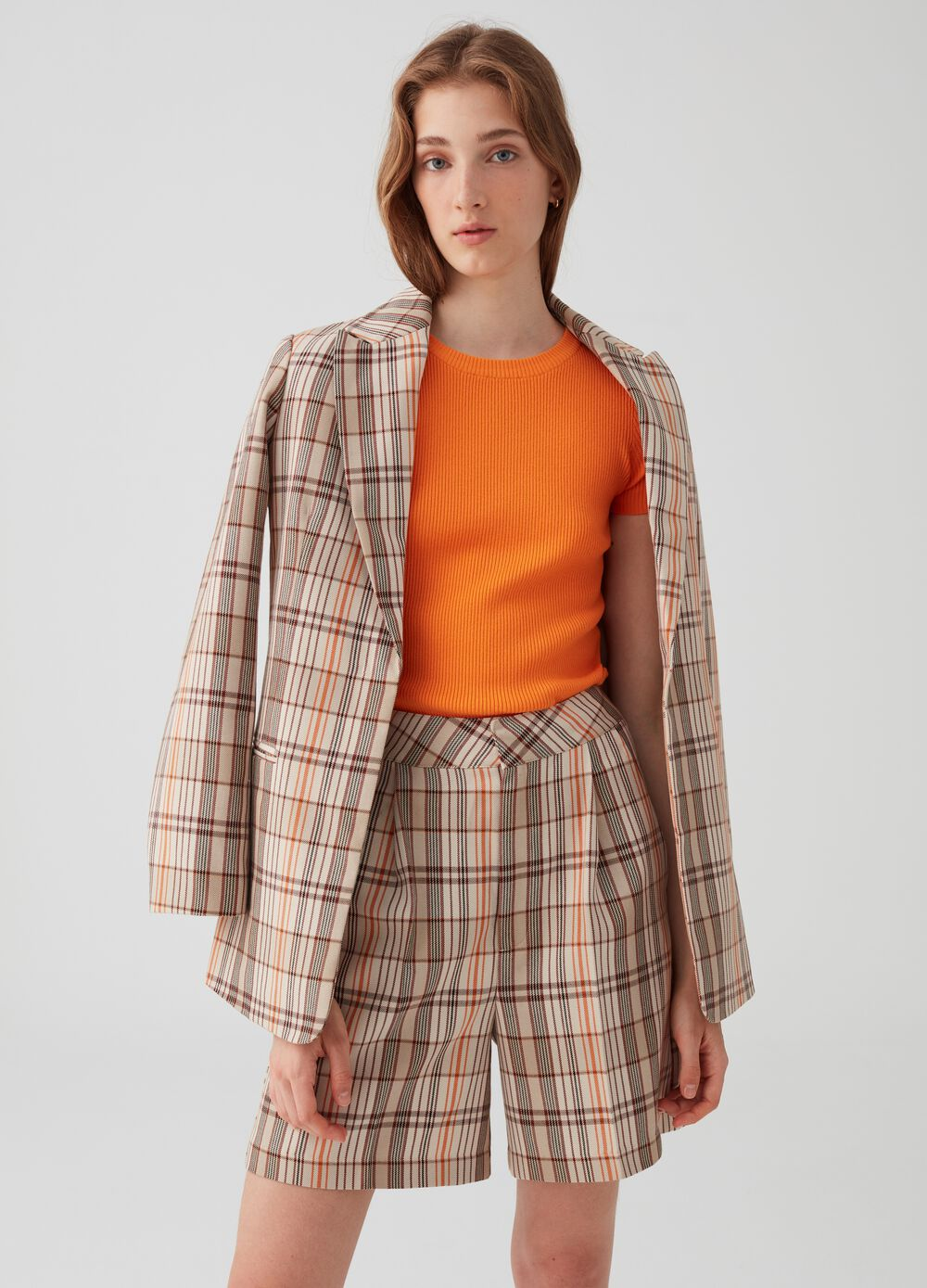 High-waisted Bermuda shorts with check pattern