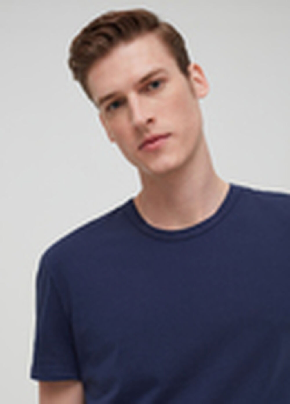 Garment-dyed T-shirt in 100% organic cotton