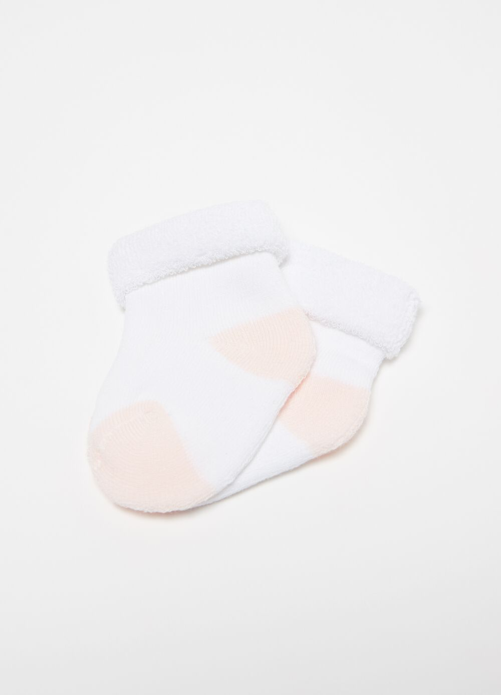 Short socks with contrasting toe and heel