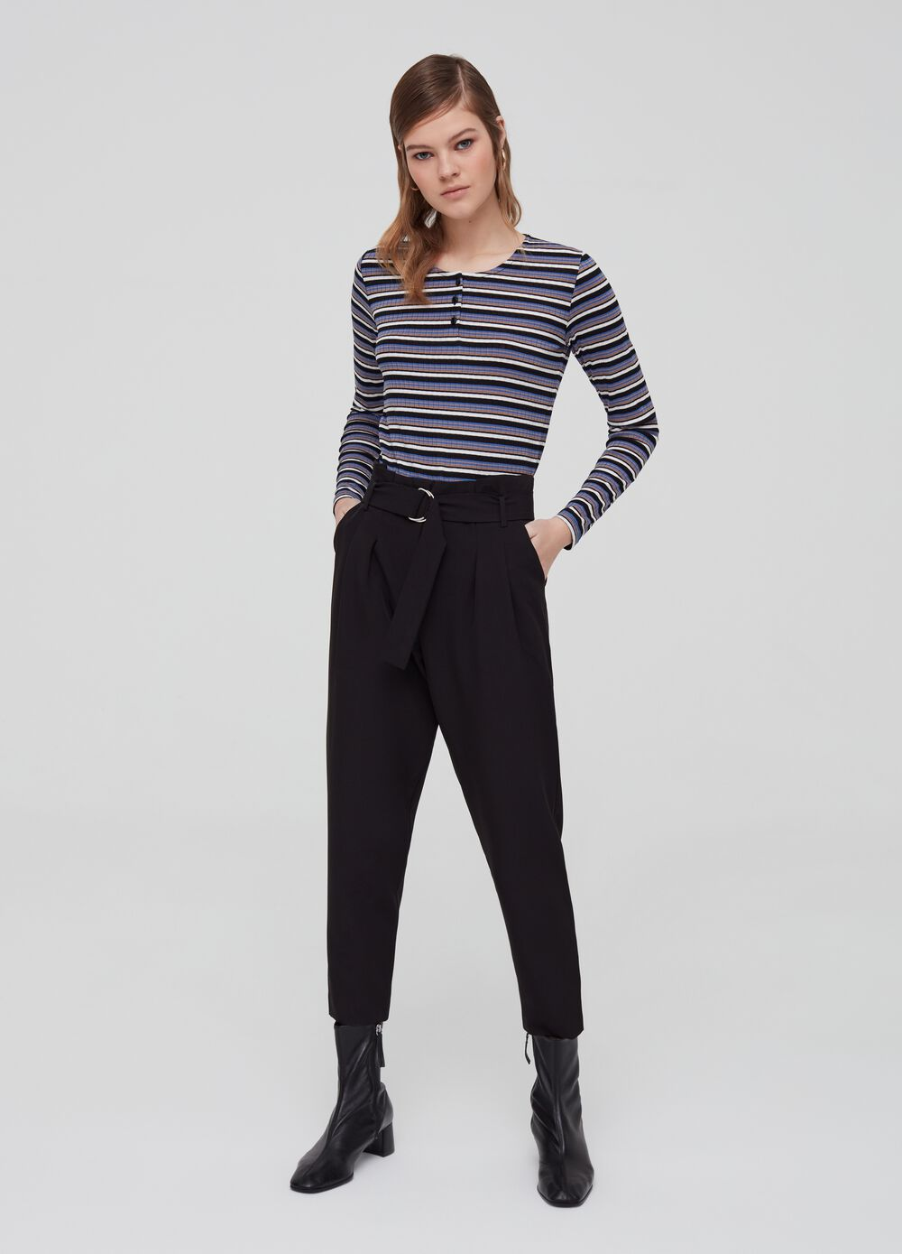Stretch crop trousers with high waist