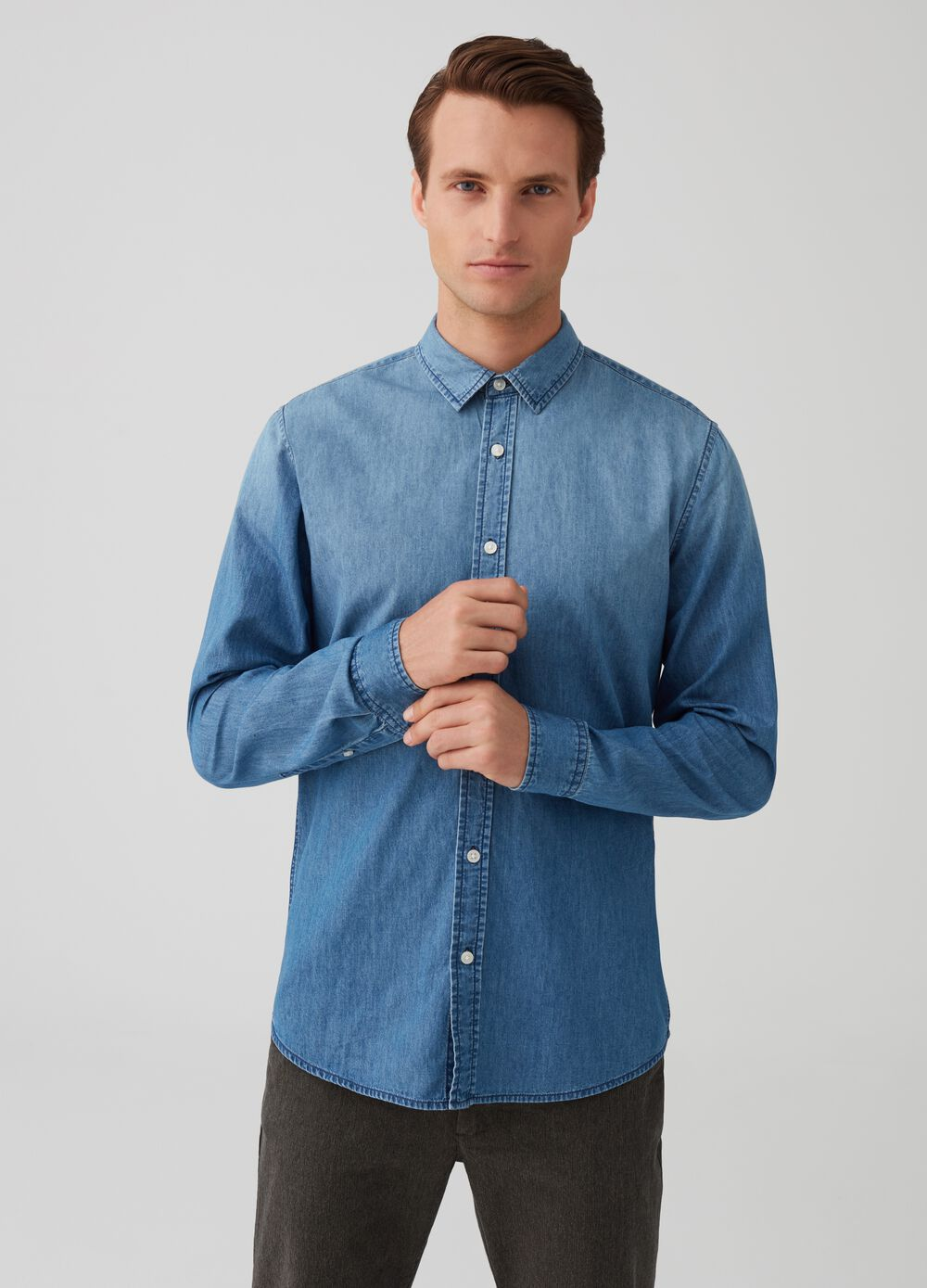 Slim-fit denim shirt with bluff collar