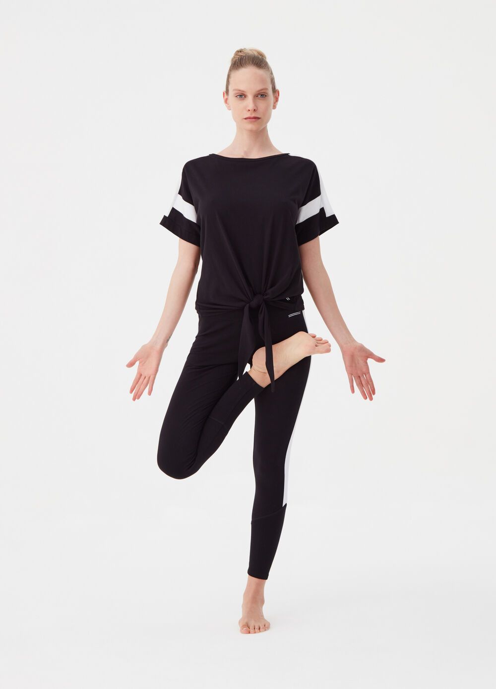 T-shirt with wide sleeves and print