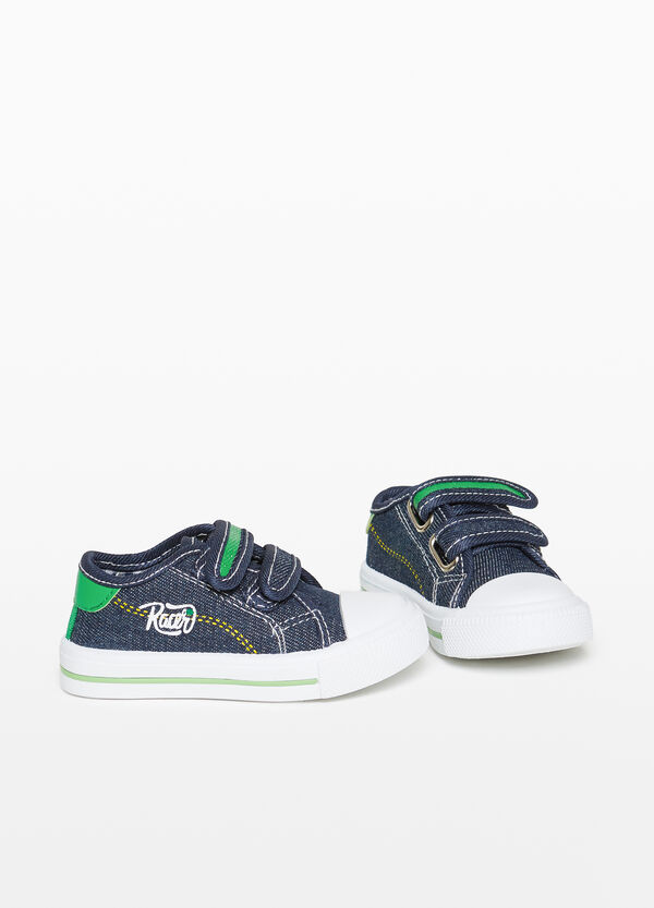Canvas sneakers with rips and embroidery