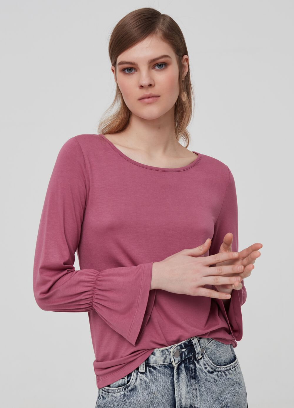 T-shirt with three-quarter sleeves