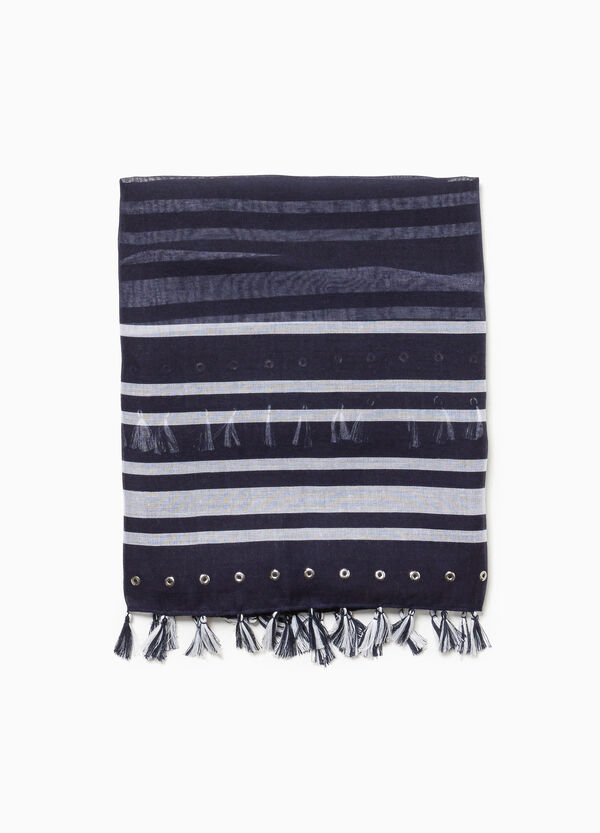 Scarf with tassels and striped pattern