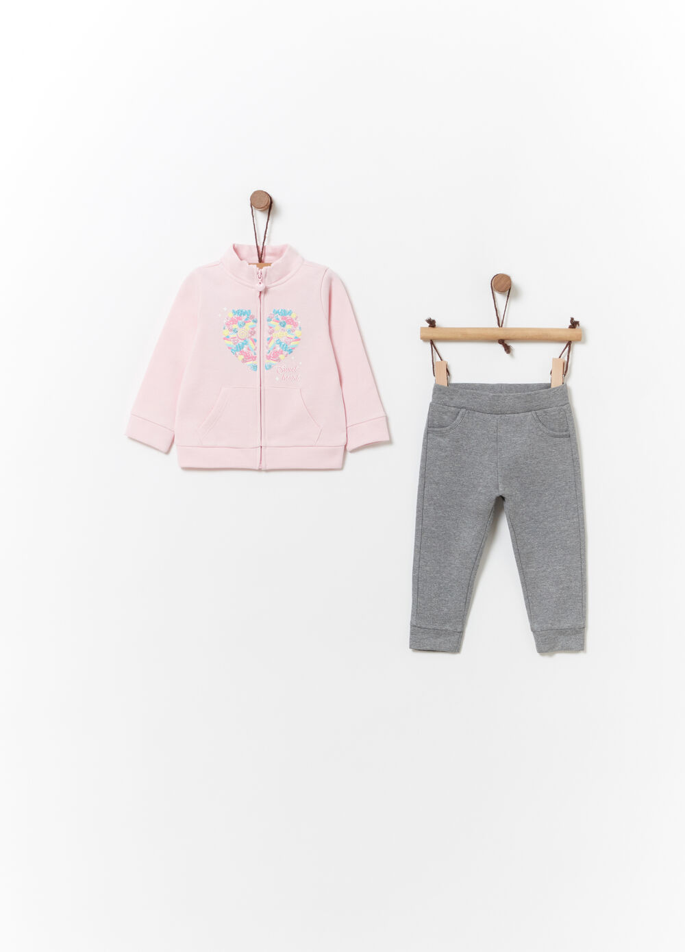 Solid colour jogging set with glitter and print