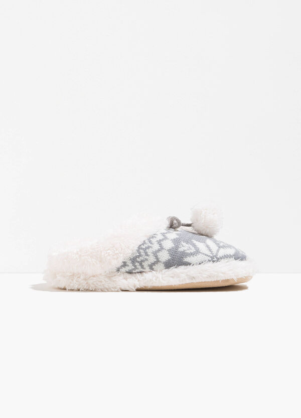 Slippers with pompoms and pattern | OVS