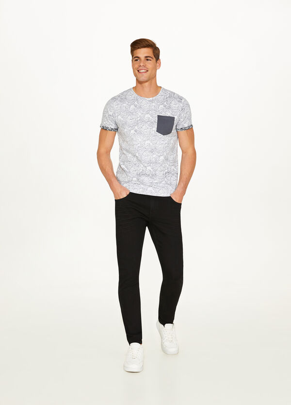 100% cotton T-shirt with all-over foliage print