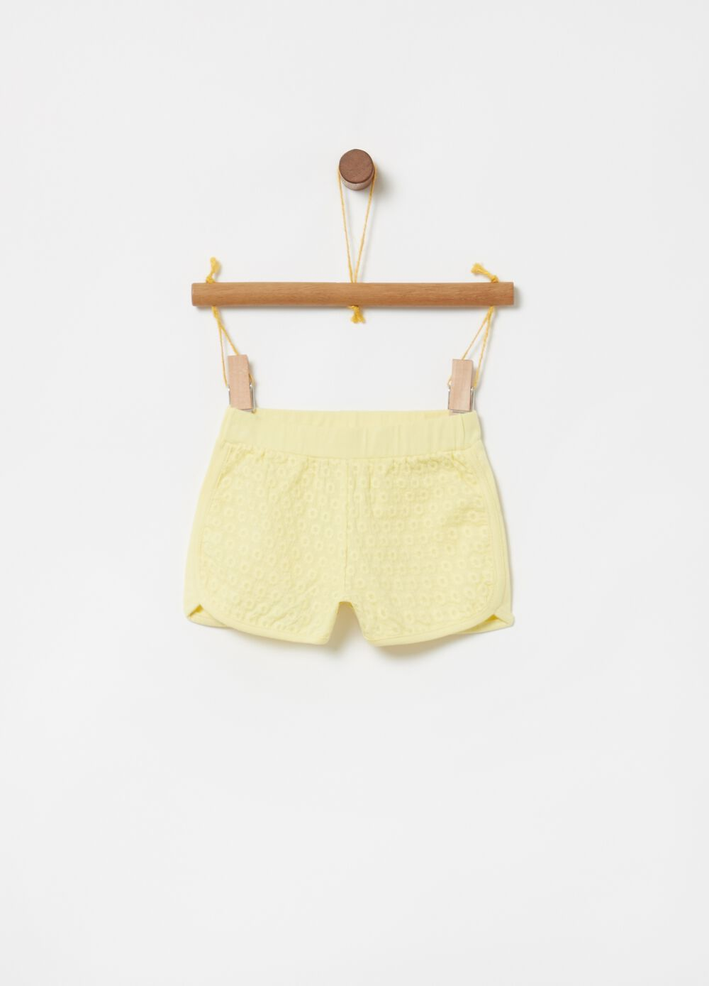 Stretch biocotton shorts with floral embroidery