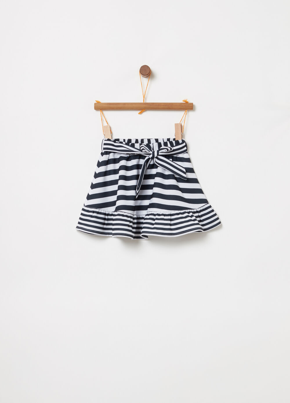 Flounced skirt with striped belt