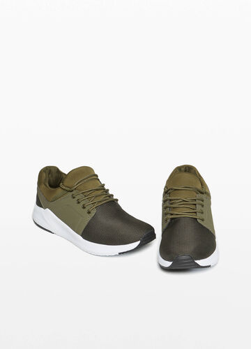 Sneakers with woven canvas uppers