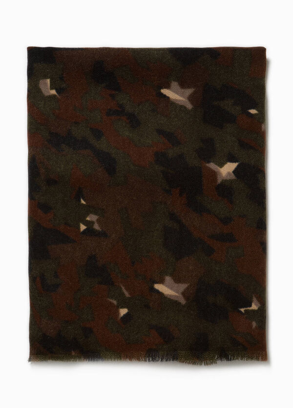 Camouflage pashmina with fringed edges. | OVS