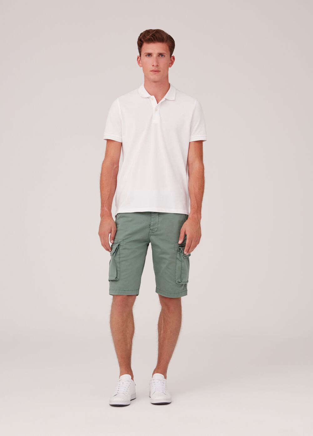 Regular-fit stretch chino cargo shorts