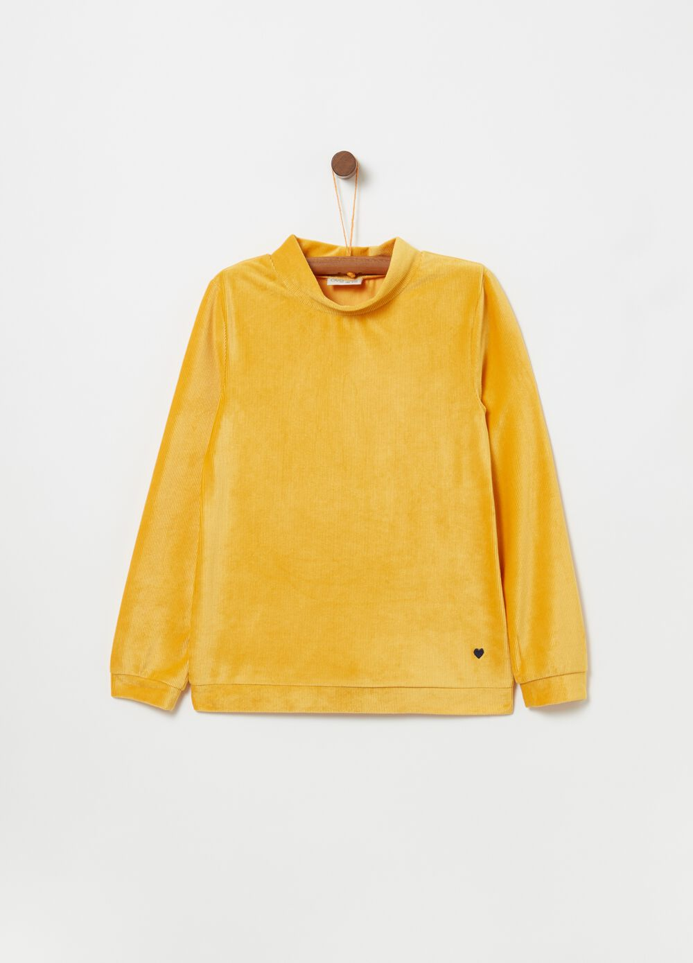 T-shirt with high neck and long sleeves