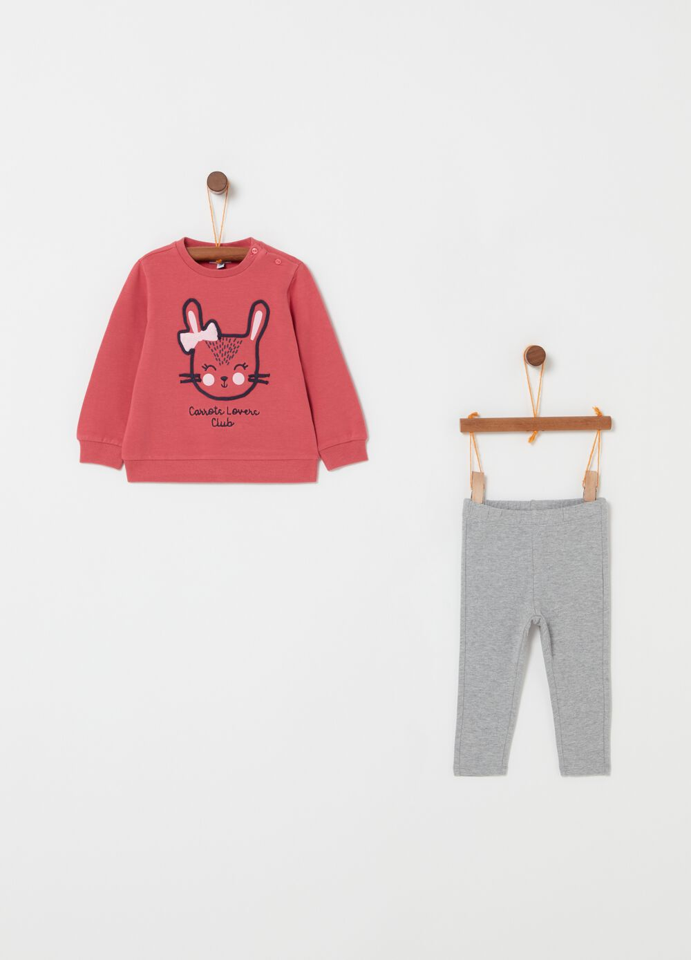 Top and trousers jogging set with embroidery