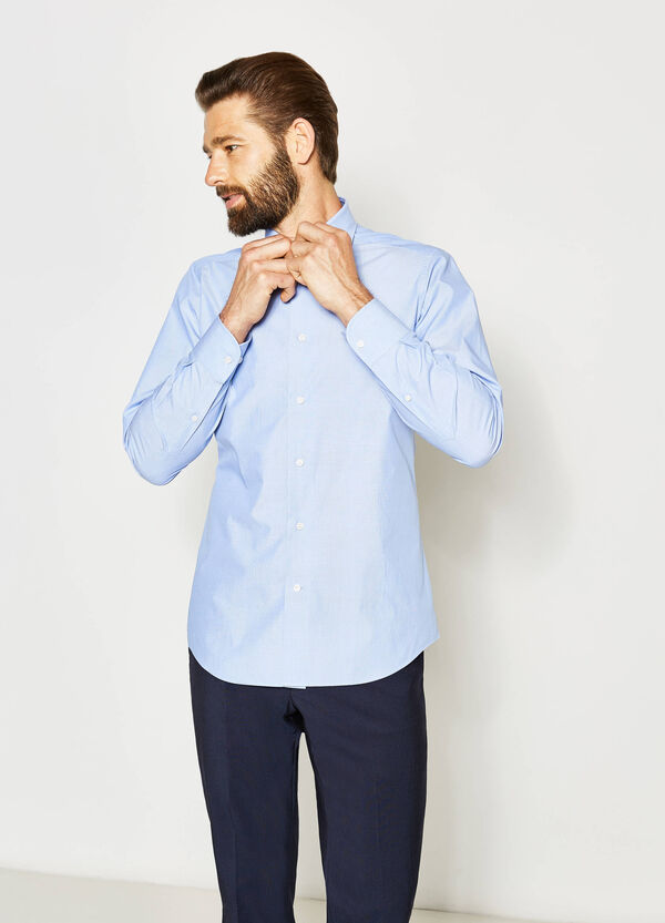 Slim-fit formal polka dot shirt