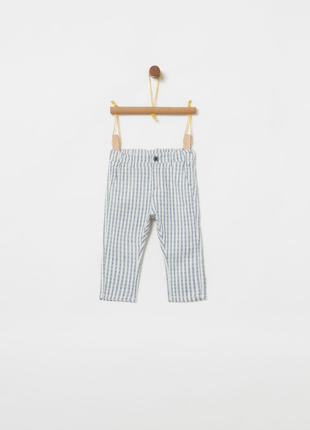 Linen and cotton Bermudas with striped pockets