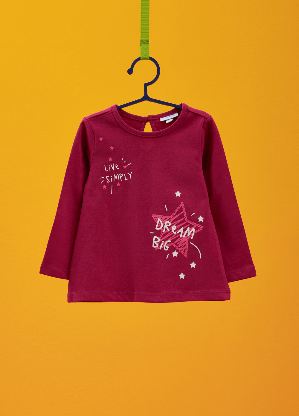 100% cotton T-shirt with stars and lettering