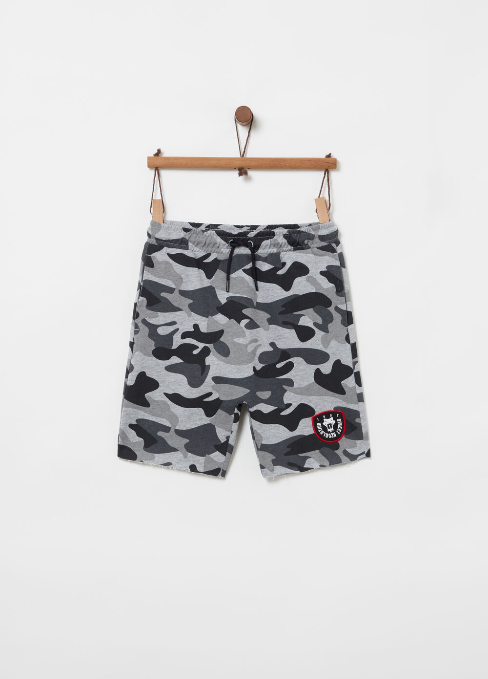 Loose-fit camouflage shorts with low crotch
