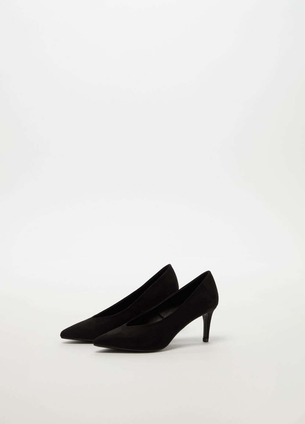 Pointed court shoe with stiletto heel