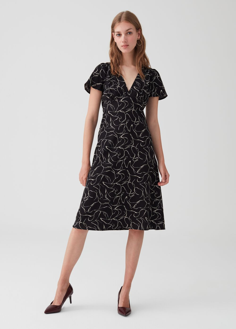 V-neck, short-sleeved patterned dress