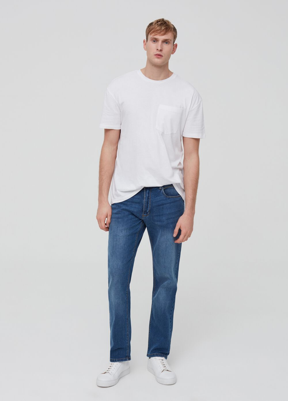 Comfort-fit stretch jeans with five pockets