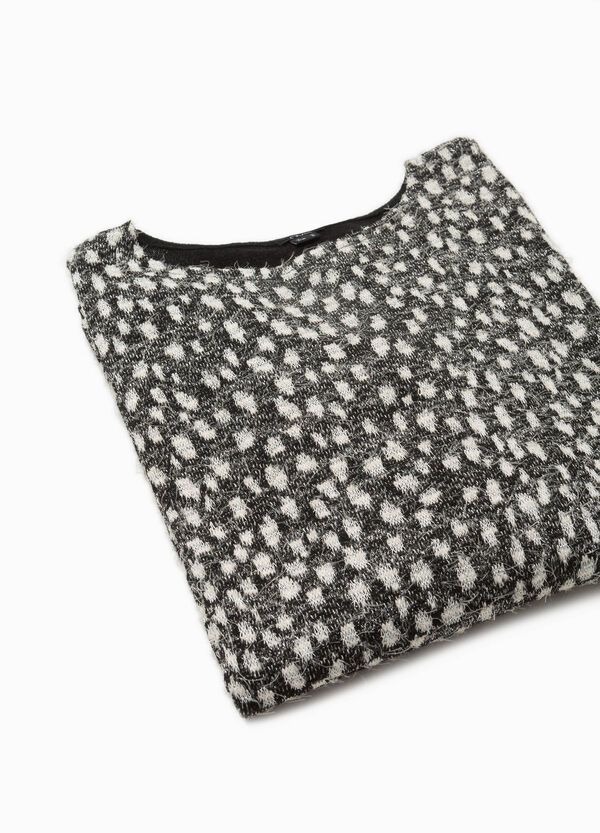 T-shirt with raised speckled pattern