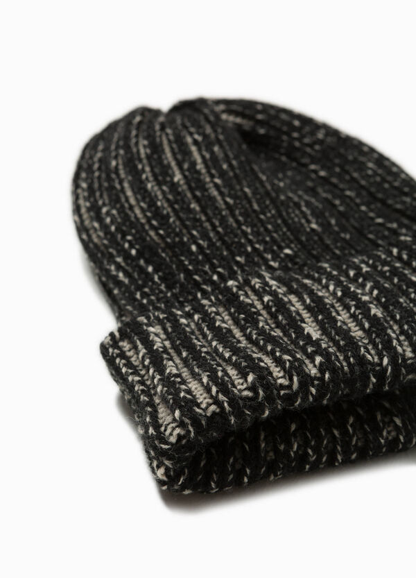 Beanie cap with striped ribbing | OVS