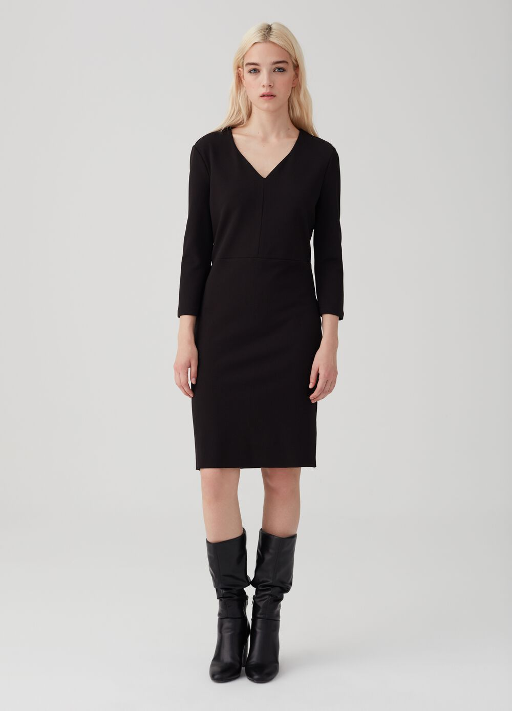 Stretch fabric dress with three-quarter sleeves