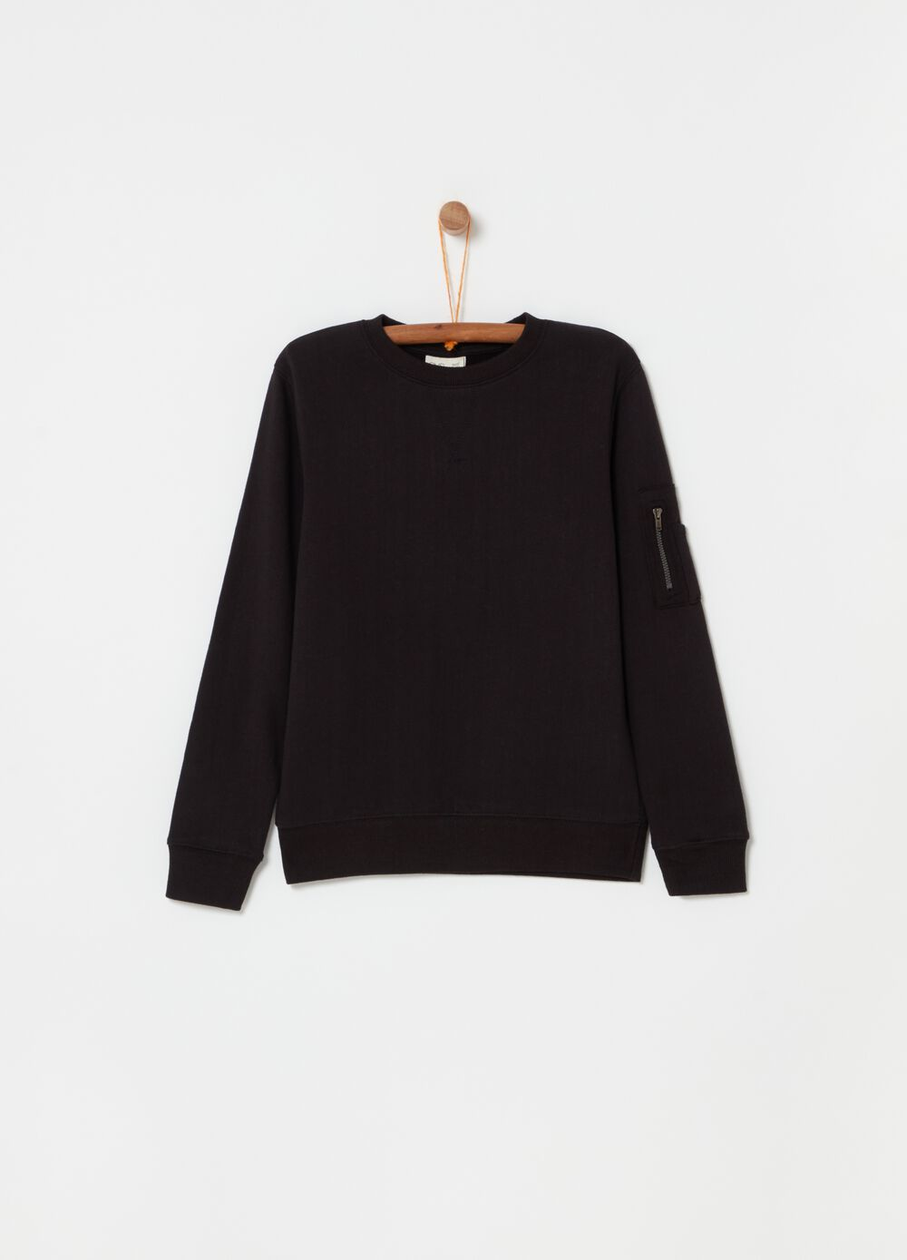 100% cotton crew-neck sweatshirt with pocket