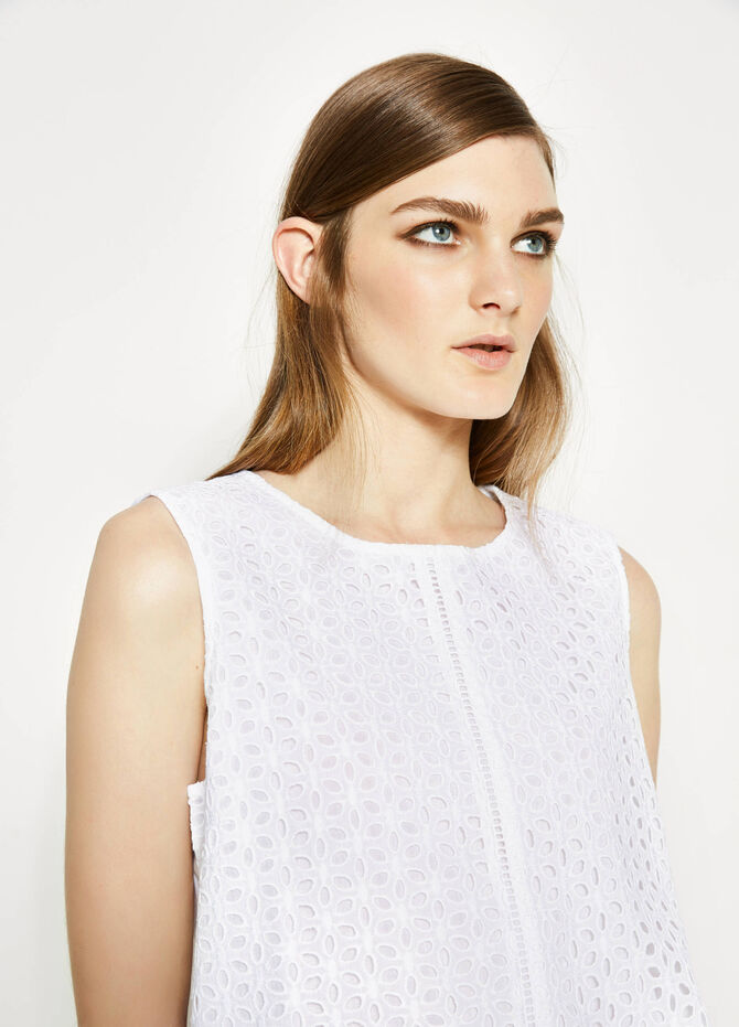 Sleeveless openwork blouse