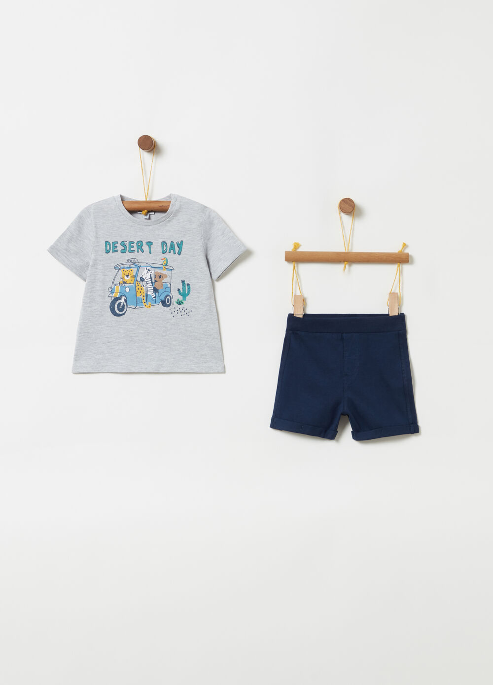 Printed T-shirt and ribbed shorts jogging set