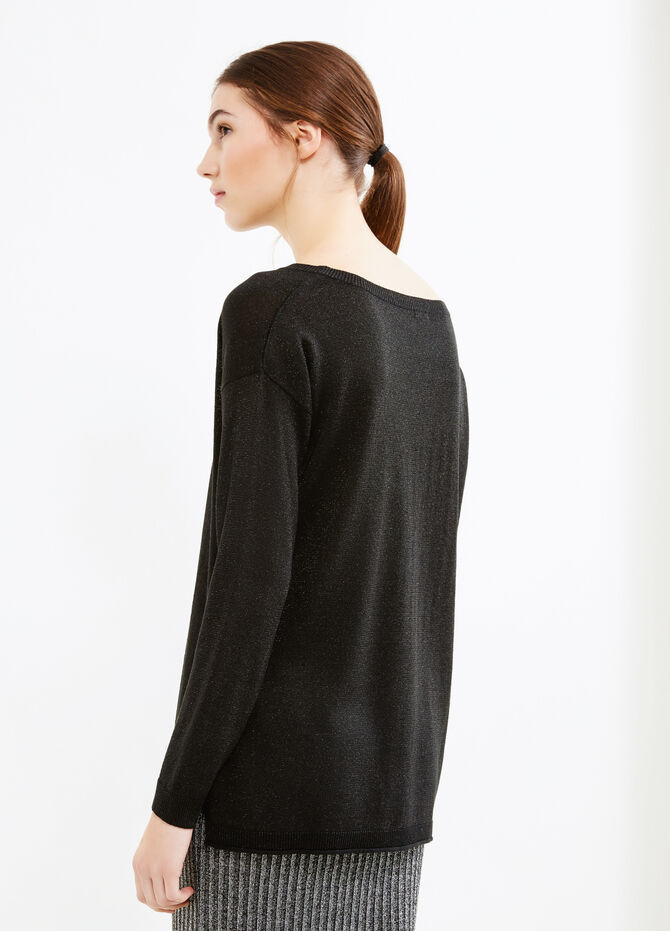 Long pullover with slits