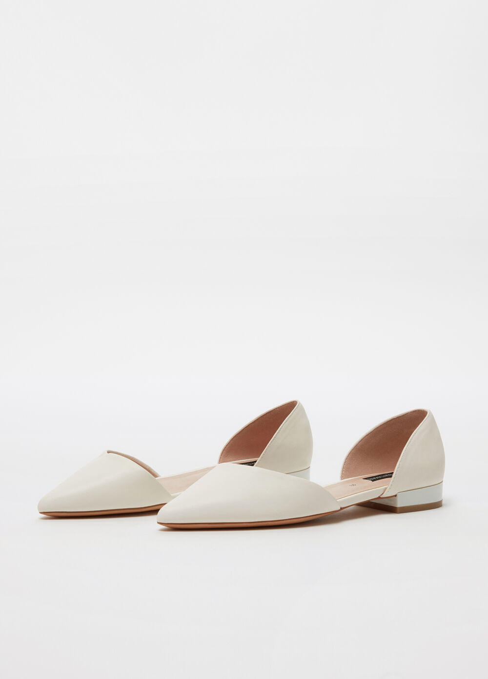Ballerina flats open on the side with flat heel