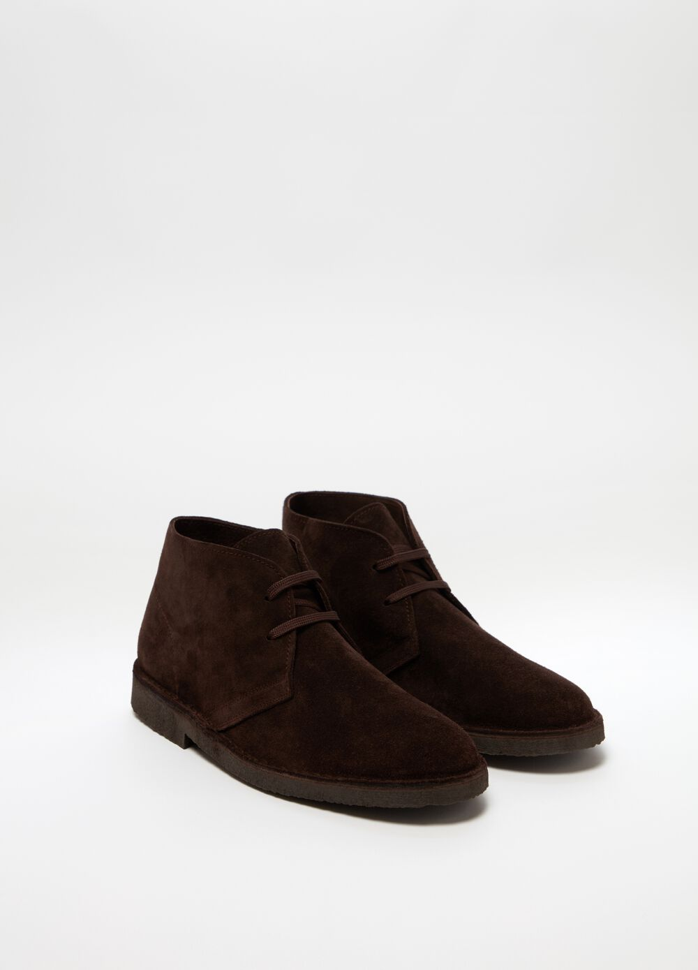 Genuine leather desert boot with laces