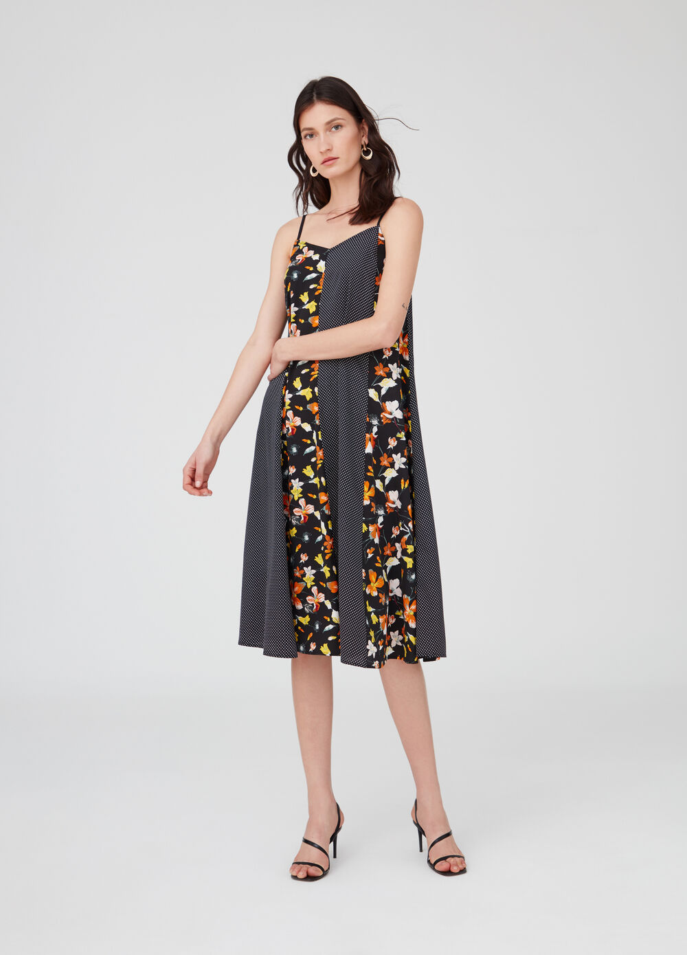 V-neck dress with polka dot and floral pattern