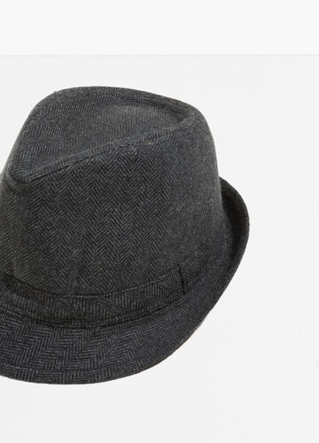 Wide brim hat with geometric weave